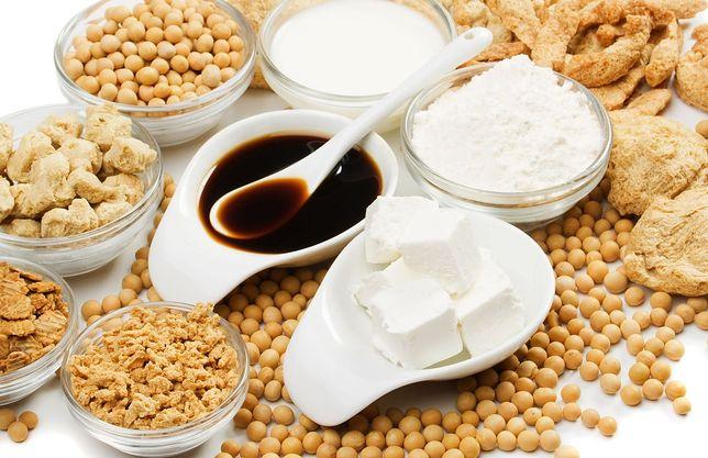 Soja zawiera sporo błonnika, niezbędnego dla dobrego trawienia i wspomagającego obniżanie cholesterolu. Przepisy z soją