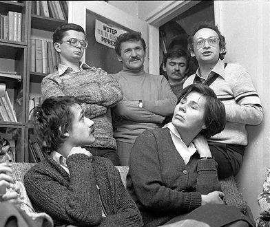 1980 rok. Zebranie członków i współpracowników KSS KOR w mieszkaniu Jacka Kuronia
