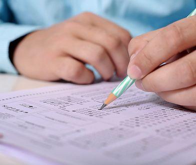 Egzamin ósmoklasisty i spore zmiany. CKE opublikowała wytyczne