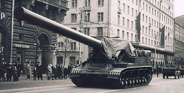 Takie działo mogli wymyślić tylko Rosjanie! Mogło bombardować atomem!