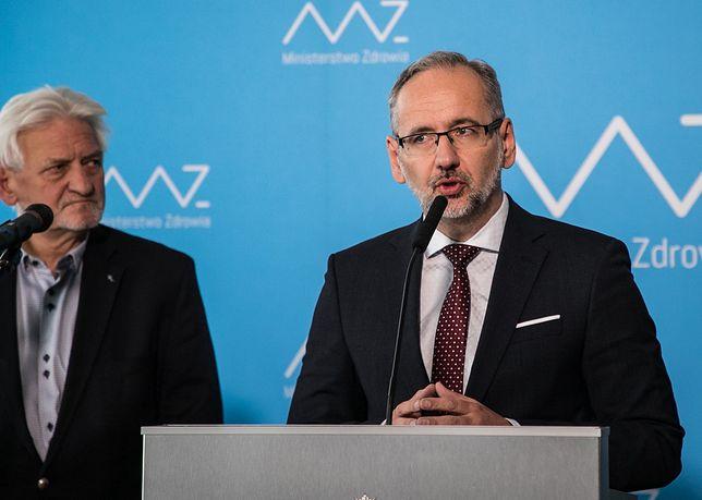 Koronawirus w Polsce. Nowa strategia rządu w sprawie pandemii radykalnie poprawia statystyki