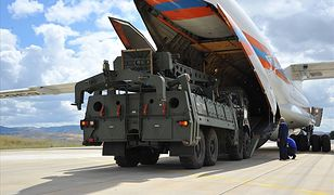 Elementy systemu S-400 już przetransportowano z Rosji do tureckiej bazy Akincilar pod Ankarą