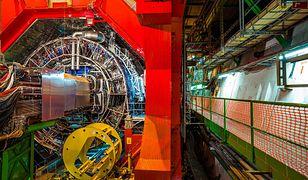 """Kolejna anomalia w LHCb ujawnia ślady """"nowej fizyki"""""""