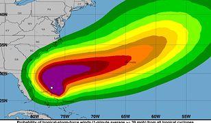 Prognoza NHC ws. nadciągającej nad Bahamy i USA burzy tropikalnej.