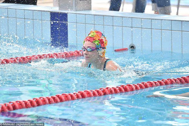 Kobiety w sieci poszukują basenów, na których nie ma mężczyzn