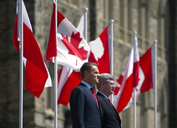 Donald Tusk i premier Kanady Stephen Harper
