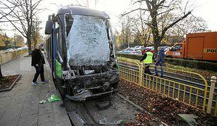 Szczecin. Wypadek na torach tramwajowych. Motorniczy trafił do szpitala
