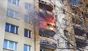 Pożar mieszkania w Krakowie. Mieszkańcy ruszyli z pomocą