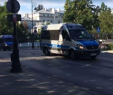 Policja kieruje się przed Sejm. Ściągane są dodatkowe posiłki