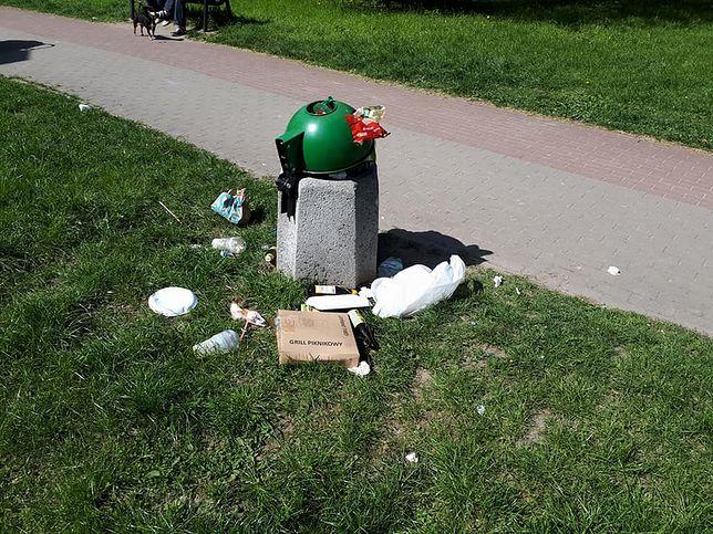 Kupa śmieci po majówce