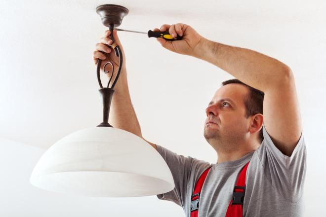 Jak podłączyć lampę? Domowa instalacja elektryczna w praktyce  WP Dom