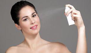 Używasz suchego szamponu? Lepiej zachowaj umiar