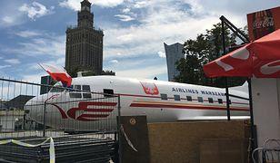 Samolot na Placu Defilad w Warszawie.