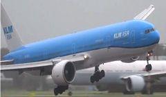 Przerażające lądowanie samolotu KLM podczas burzy