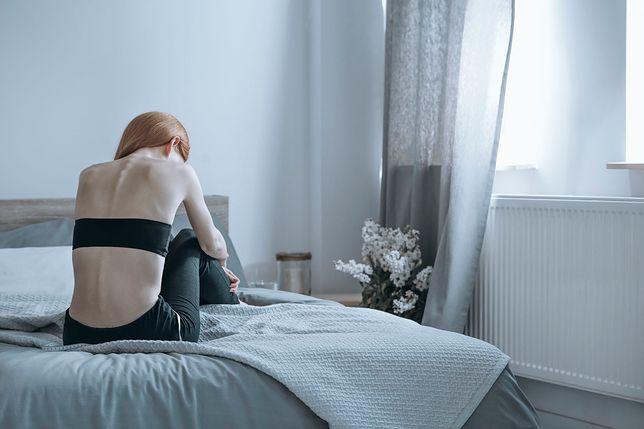 Zachowania bulimiczne są szokująco powszechne wśród młodych kobiet