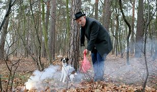 Janusz Korwin-Mikke ze swoim psem Odi