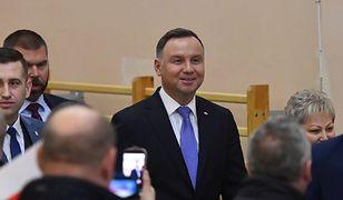 """Prezydent Andrzej Duda odwiedził powiat gryficki. Na spotkaniu z mieszkańcami mówił o """"najwyższej kaście"""" w sądach"""