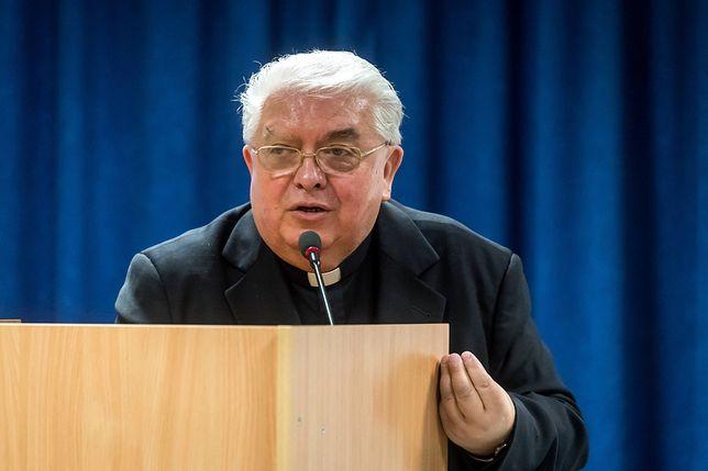 Biskup Jan Tyrawa pisze do prezydenta Bydgoszczy. Chodzi o zakaz ruchu dla samochodów