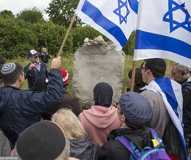 Żydzi wspominający pomordowanych w Jedwabnem