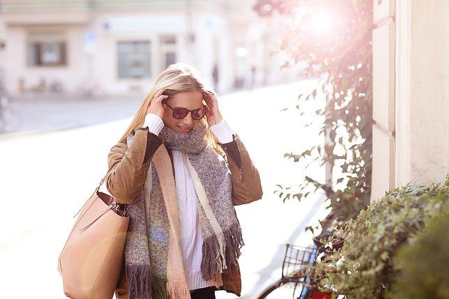 Jasna shopperka to chętnie wybierana torebka