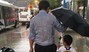 """""""Poświęcenie ojca"""" - to zdjęcie mówi więcej niż słowa"""