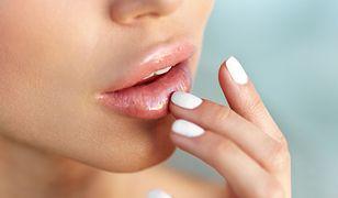 Pierwszym krokiem do poprawienia wyglądu ust jest ich odpowiednia pielęgnacja