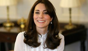 Księżna Kate jest w trzeciej ciąży. Jak wyglądała w dwóch poprzednich?