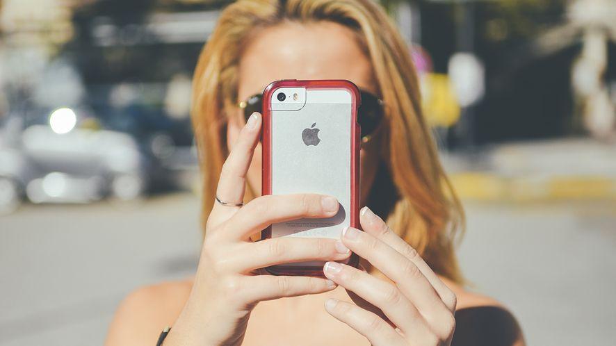 """iOS jest bezpieczny, ale aplikacje i tak mogą """"przepuszczać"""" Twoje dane"""