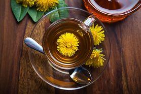 Herbatka oczyszczająca wątrobę. Wystarczy pić raz dziennie (WIDEO)