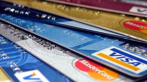 Oszustwo na znany sklep? Kolejne osoby zgłaszają próby pobrania pieniędzy z kart