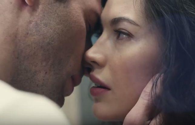 """""""Timeless"""", czyli pogoń za miłością. Oto najbardziej romantyczna reklama tego lata!"""