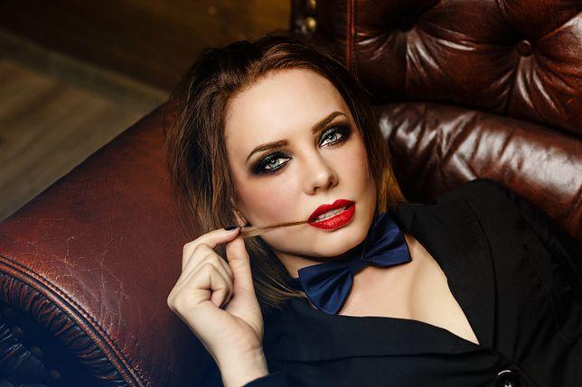 Wyraziste spojrzenie dodaje uroku i seksapilu - jak podkreślić je makijażem?