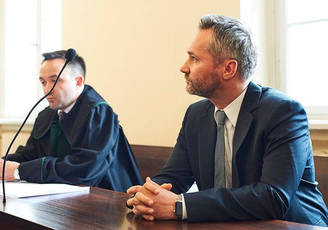 Eurodeputowany Jarosław Wałęsa i jego pełnomocnik Arkadiusz Rozpędowski w Sądzie Okręgowym w Gdańsku.