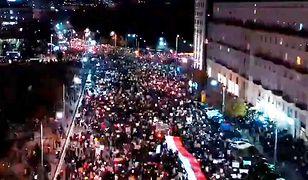 """Protest w Warszawie na niezwykłym nagraniu. """"Zrobiłyśmy Jarosławowi lockdown"""""""