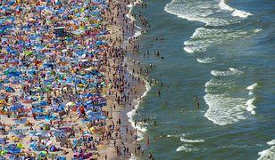 Tak wyglądała plaża we Władysławowie w sobotę 1 sierpnia. Tłumy plażowiczów pomimo epidemii koronawirusa