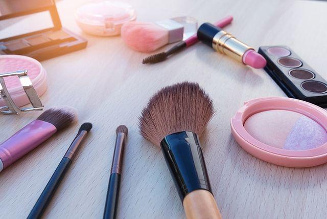 Kosmetyki i akcesoria do makijażu