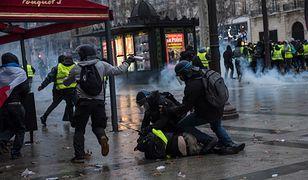 """""""W Polsce nie uniknęliby kary"""". Eksperci o brutalnych działaniach francuskiej policji"""