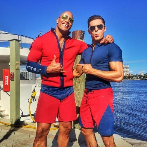 Dwayne Johnson i Zac Efron fot. The Rock