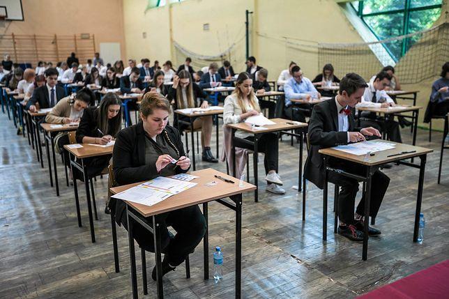 Egzamin gimnazjalny 2019 rozpocznie się w środę, 10 kwietnia. Czy strajk nauczycieli poskutkuje jego dowołaniem?