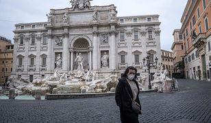 Władze Rzymu usuwają bariery wokół Fontanny di Trevi. Turyści znów mogą podziwiać z bliska barokowy pomnik