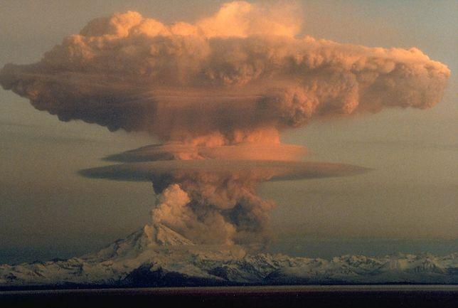 Turystyka związana z wędrówkami w pobliże wulkanów kwitnie