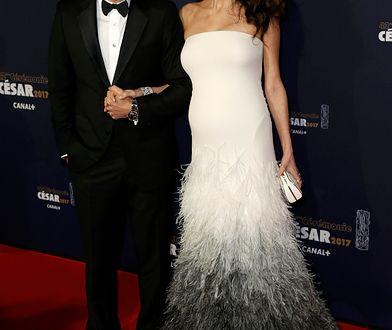 Amal Clooney na rozdaniu Cezarów 2017. Już widać brzuszek!