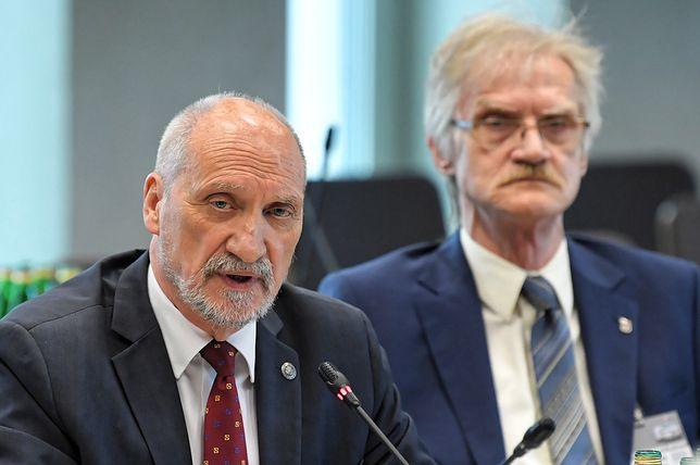 Podkomisja smoleńska. Antoni Macierewicz ostro skrytykował opozycję