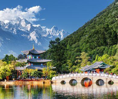 Podczas pobytu w Chinach warto korzystać z wycieczek objazdowych, ponieważ w łatwiejszy i szybszy sposób można dotrzeć do największych atrakcji