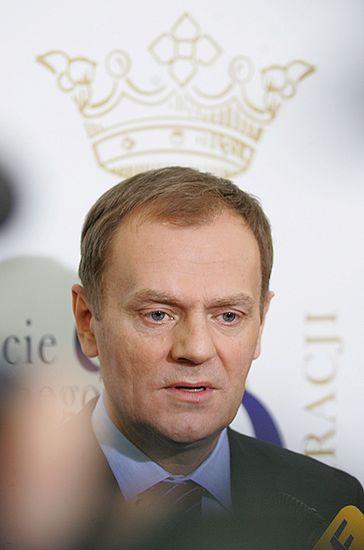 Większość Polaków: rząd za późno dostrzegł kryzys