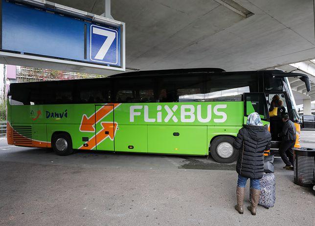 Koronawirus. FlixBus zawiesza połączenia międzynarodowe z Polską, WizzAir odwołuje loty