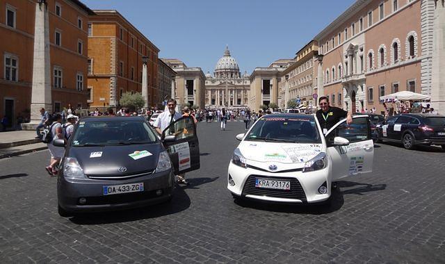 Dwie hybrydowe Toyoty zdominowały podium 10. Ecorally San Marino. Zwycięstwo Artura Prusaka