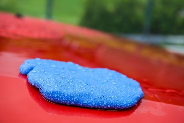 Samochodowa plastelina sprawi, że samochód będzie lśnić
