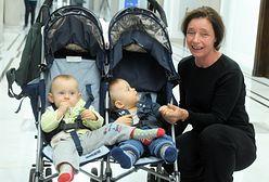 Barbara Sienkiewicz urodziła bliźniaki w wieku 60 lat. Co się z nią dzieje?