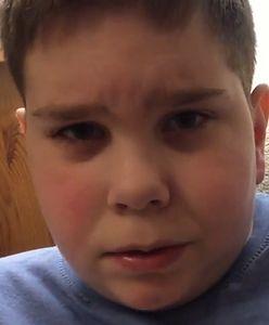 Chłopiec z niepełnosprawnością zmaga się z traumą wywołaną przez antyaborcyjny plakat. Fundacja pro-life zapłaciła śmieszną karę